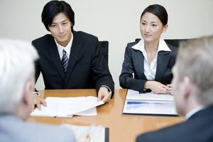 長期にわたる取引に、「契約の自動更新条項」そのメリットと欠点