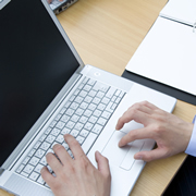 従業員が業務用PCを私的に利用していたらどうする?